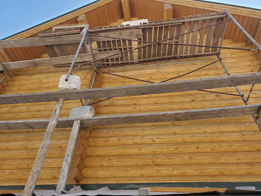 Лебедевка: реставрация фасада и террас, изготовление и монтаж наличников (фото 12)
