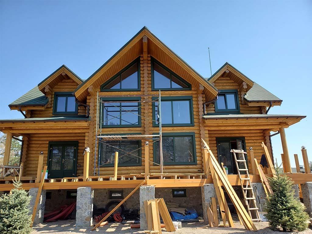 Лебедевка: реставрация фасада и террас, изготовление и монтаж наличников (фото 14)