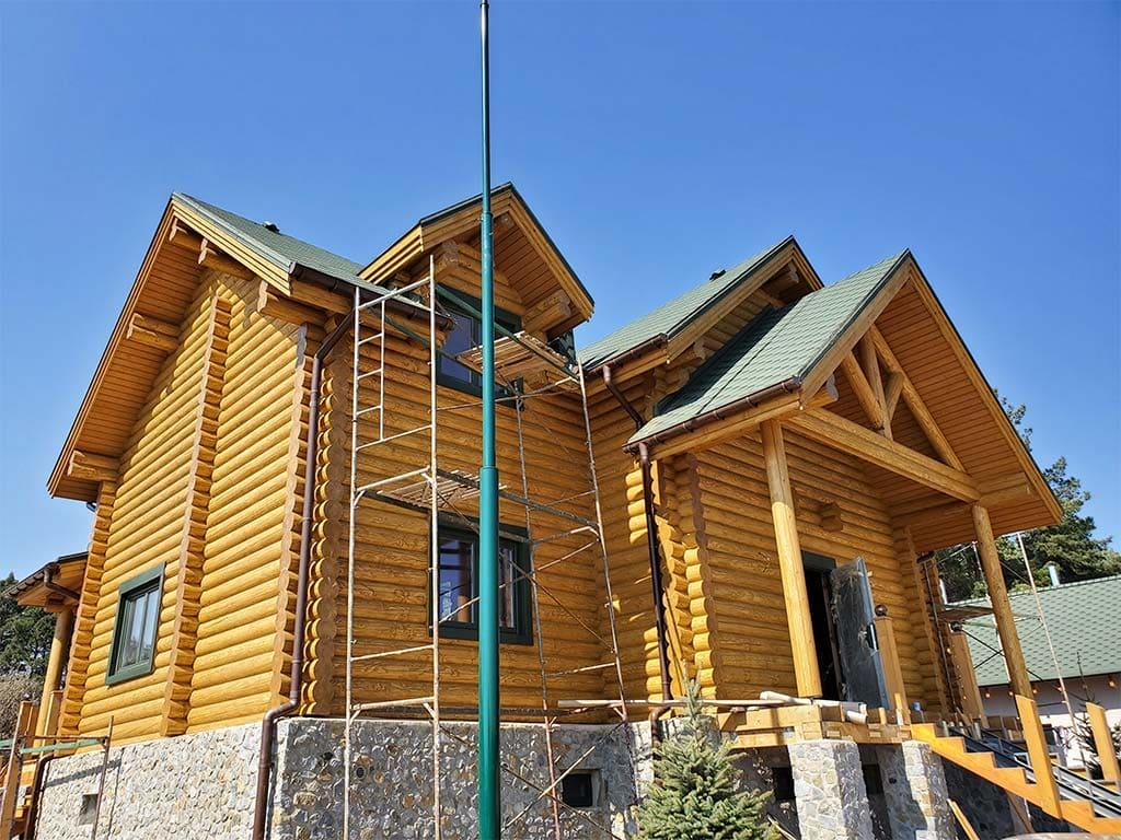Лебедевка: реставрация фасада и террас, изготовление и монтаж наличников (фото 15)