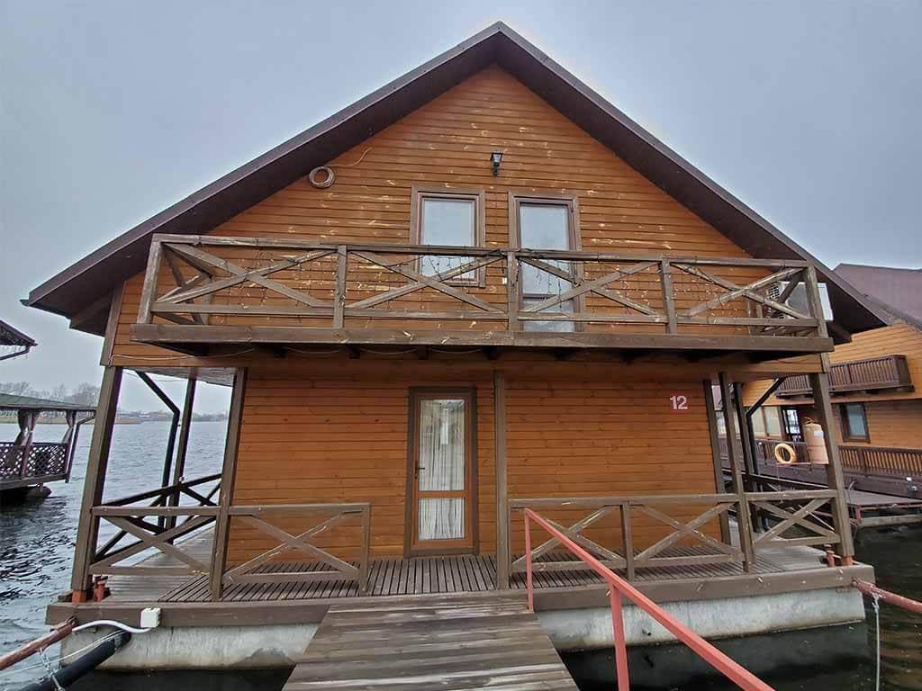 Золоче: реставрация дома на воде (фото 2)