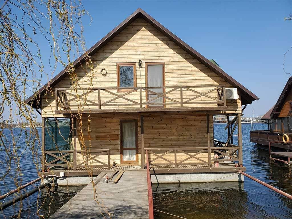 Золоче: реставрация дома на воде (фото 4)