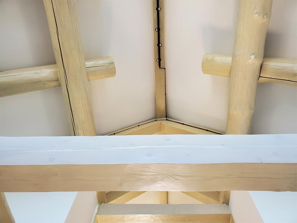 Осокорки: внутренняя отделка дикого сруба (фото 32)